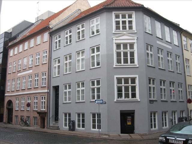 Vingårdstræde 9, 2. th, 1070 København K