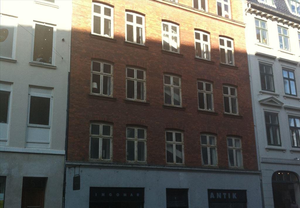 Landemærket 7, 1. th, 1119 København K