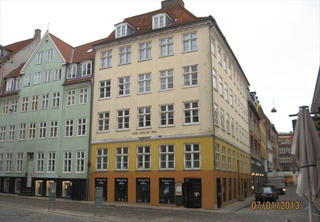 Løvstræde 14, 1. th, 1152 København K