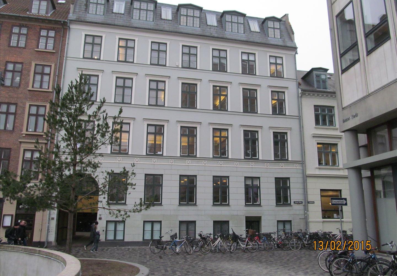 Hauser Plads 10, 1127 København K