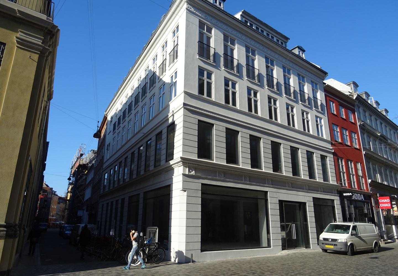 Løvstræde 2, 2. th, 1152 København K